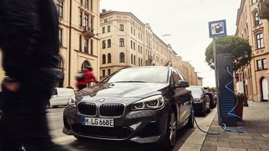BMW Serie 2 Active Tourer 225xe. le immagini