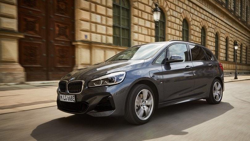 La BMW aumenta il range elettrico della Serie 2 Active Tourer 225xe