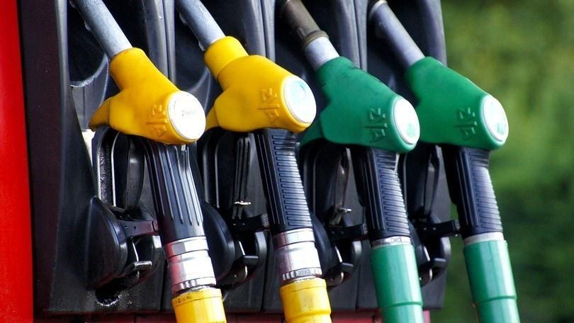 Benzina, con la crisi di governo i prezzi aumentano