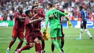 Il Liverpool ringrazia Adrian: da vice-Alisson ad eroe della Supercoppa
