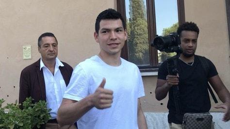 Napoli, Lozano a Villa Stuart per le visite: che entusiasmo per il messicano!