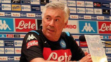 """Ancelotti: """"Lozano aumenta la qualità del Napoli. Icardi? Ci pensa la società"""""""