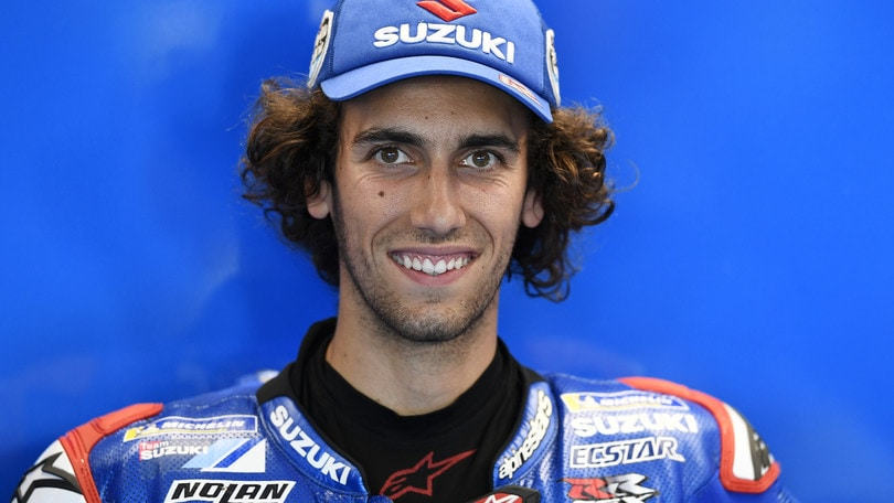Rins vince a Silverstone: