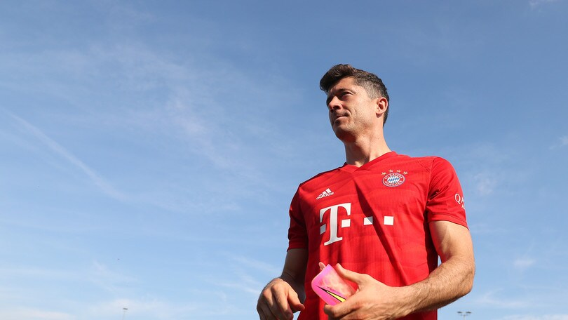 Lewandowski rinnova col Bayern Monaco fino al 2023