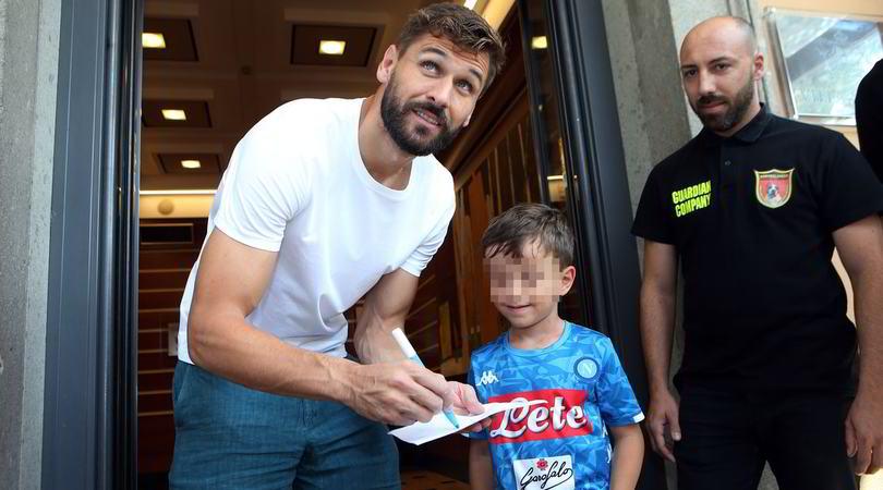 Napoli, Llorente termina le visite. Non andrà a Torino per la sfida contro la Juve