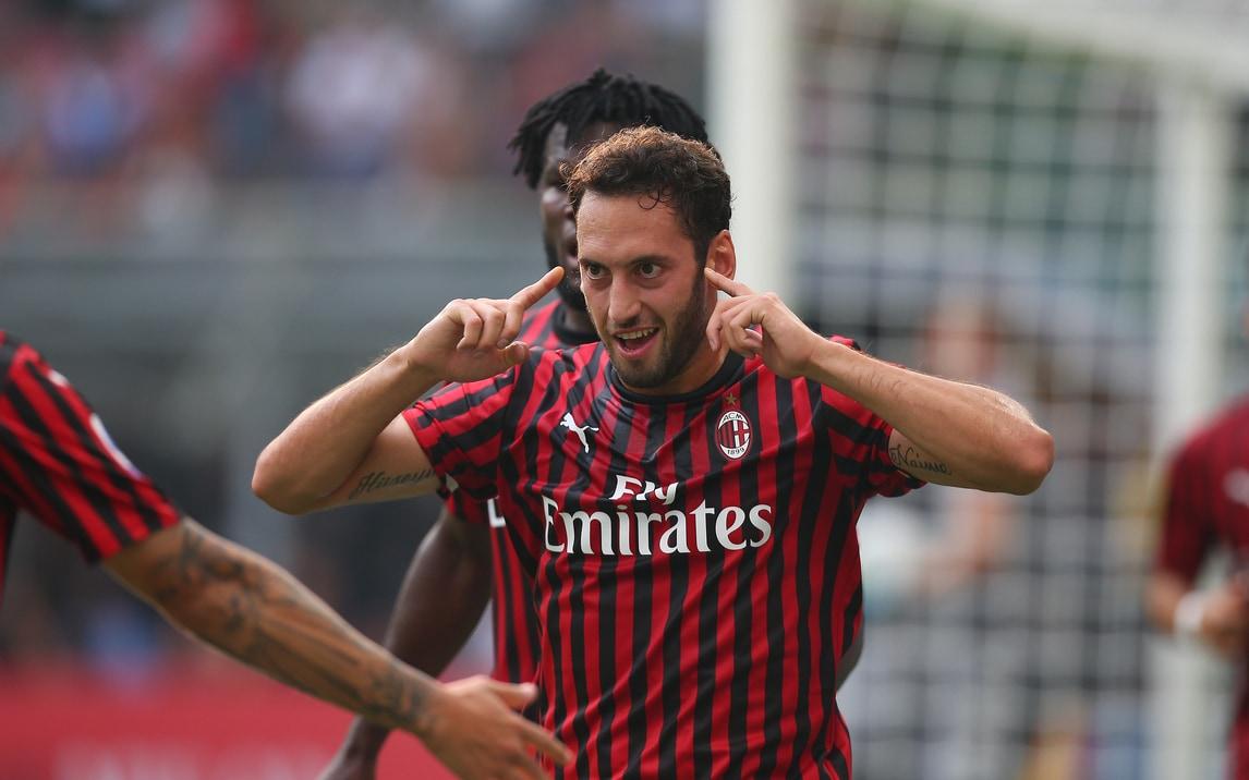 Milan: contro il Brescia la decide Calhanoglu, grande festa a San Siro