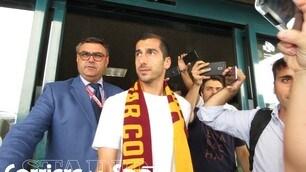 Mkhitaryan è sbarcato a Roma: la sua prima giornata in giallorosso