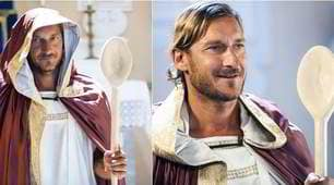 """Totti, protagonista nello spot di """"Romolo+Giuly"""": riecco il cucchiaio!"""
