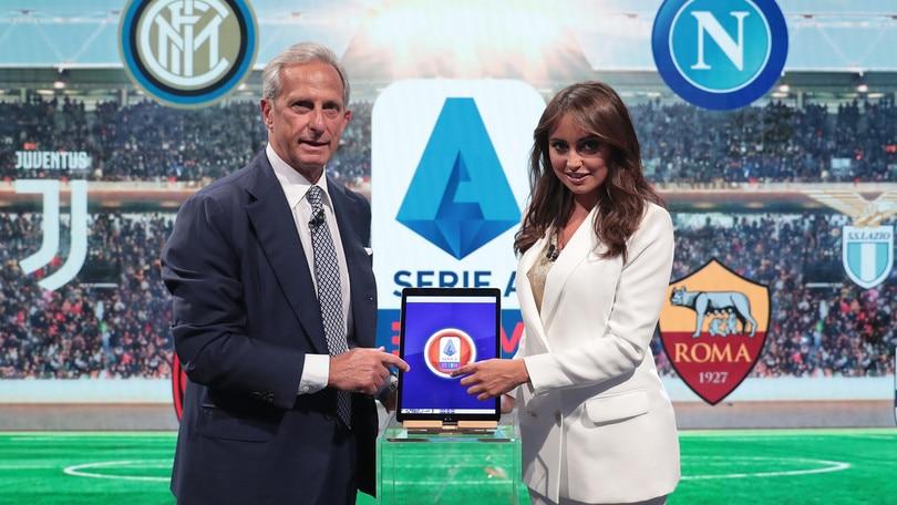Serie A, anticipi e posticipi: Roma-Napoli di sabato, Inter-Juve di sera
