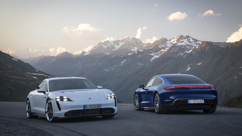 Porsche Taycan: Stoccarda apre all'elettrico