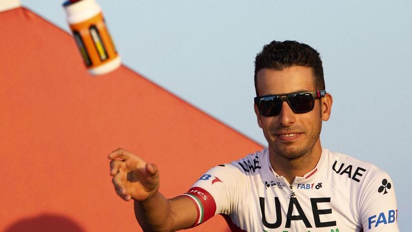 Vuelta, Aru si ritira per infortunio: