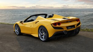Ferrari F8 Spider: Foto