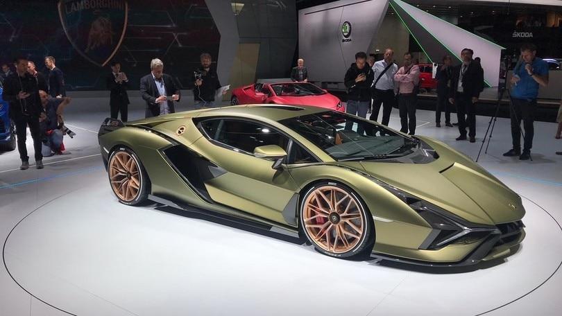 Lamborghini Siàn FKP37, ibrida spettacolare che ricorda il passato