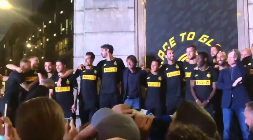 """""""Chi non salta bianconero è"""": Conte rimane fermo"""