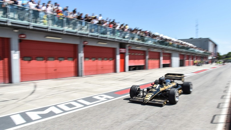 F1, Imola pronta a rientrare in calendario