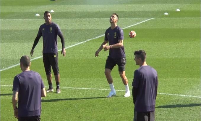 Mourinho elogia Ronaldo