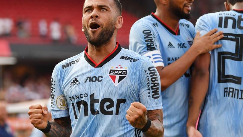 """Dani Alves: """"In estate potevo tornare alla Juve"""""""