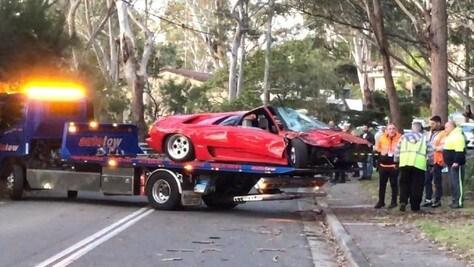 Compra una Lamborghini Diablo e la distrugge