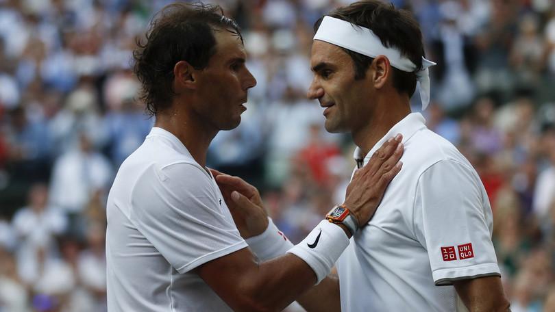 """Federer omaggia Nadal: """"Ben fatto, te lo meriti"""""""