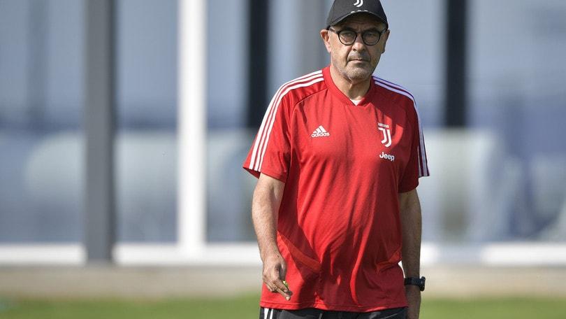 Sarri: «L'obiettivo è vincere, ma la Juve non è favorita»