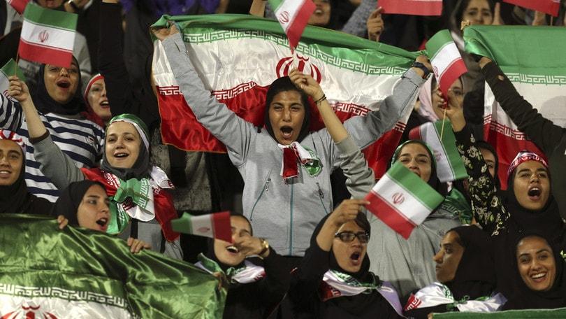 Iran, le donne potranno entrare negli stadi