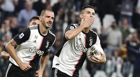 Juventus-Verona 2-1: Ramsey e Ronaldo, Sarri sorride