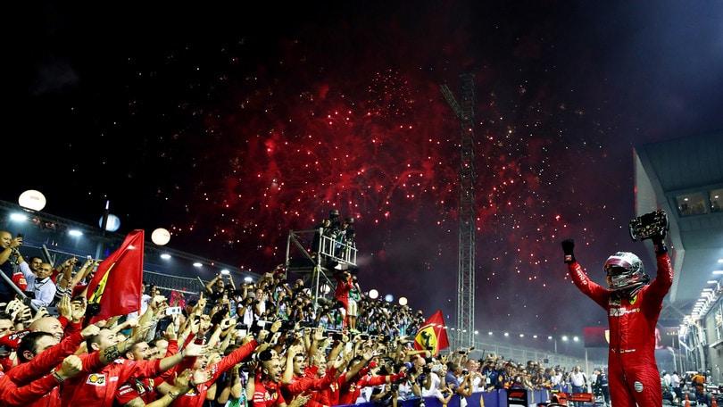 Doppietta Ferrari a Singapore: Vettel vince davanti a Leclerc!
