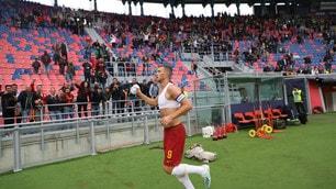 Roma, Dzeko decisivo al 94': Bologna ko 2-1