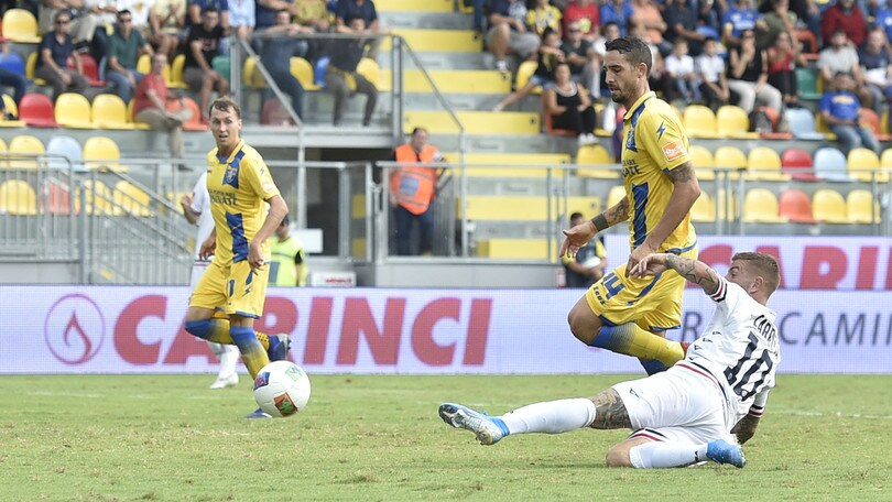 Serie B, pari tra i fischi per il Frosinone. Crisi Juve Stabia