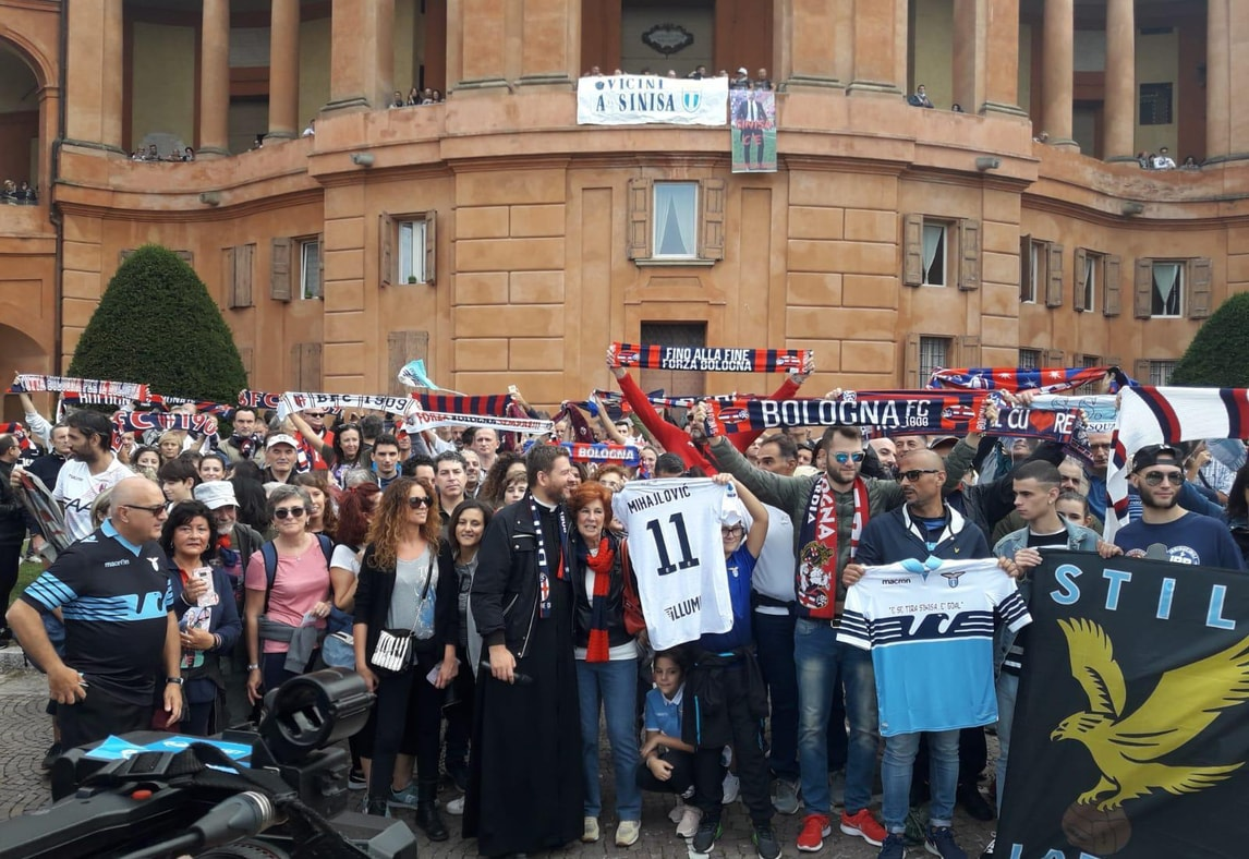 Tifosi di Lazio e Bologna in pellegrinaggio per Mihajlovic