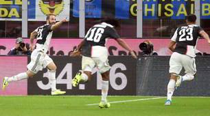 Higuain stende l'Inter e manda la Juve in testa