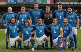 Leggende azzurre, Totti in campo con Gattuso, Pirlo, Toni e non solo