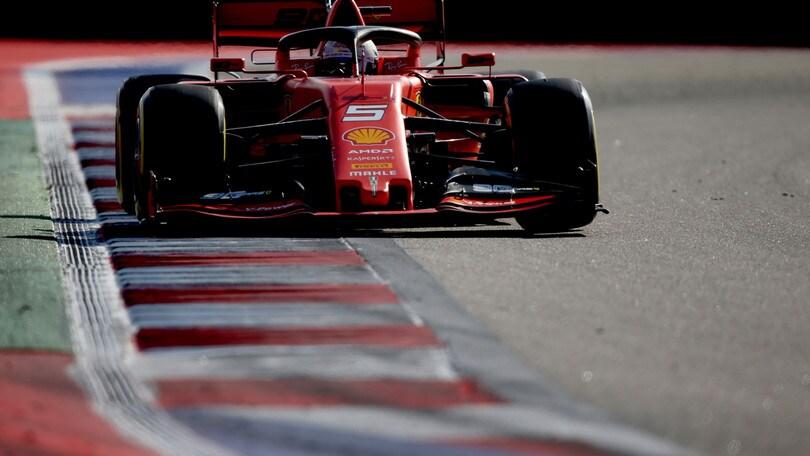 F1, per Vettel più di 600 km nei test Pirelli