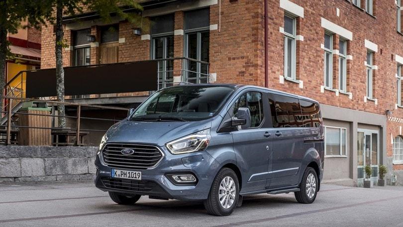 Ford Transit Custom: il lavoro diventa ibrido