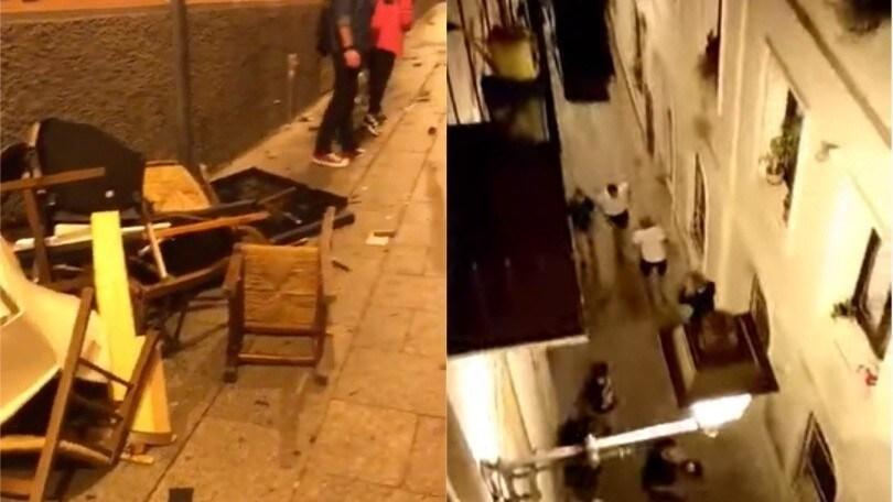 Cagliari, ultrà polacchi devastano il centro storico. Due tifosi in Questura