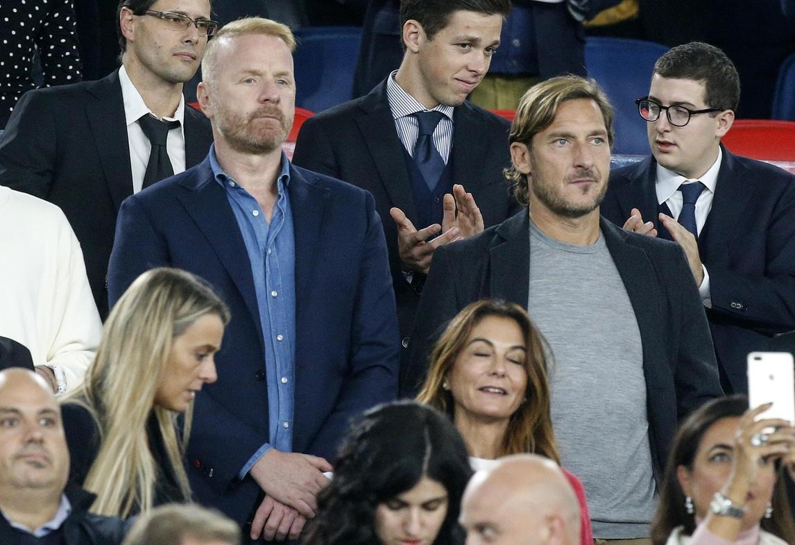 Totti torna all'Olimpico per Italia-Grecia e si siede accanto a Tare