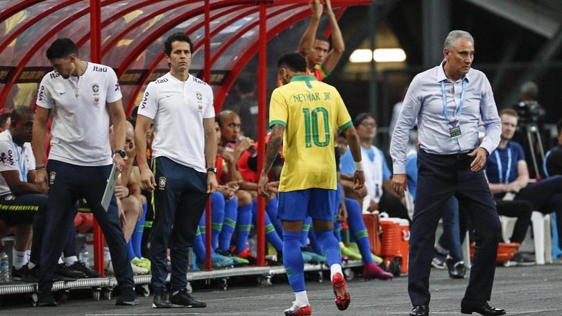 Il Brasile pareggia e perde Neymar. Dybala, che assist a Pezzella!