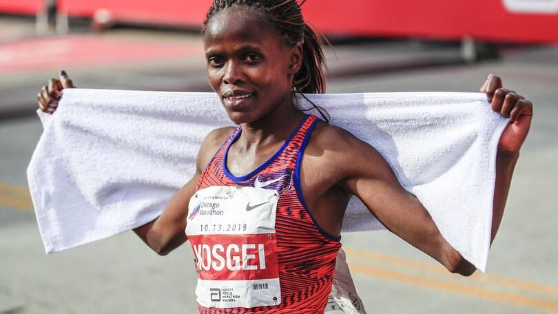La Kosgei batte il record del mondo nella maratona donne