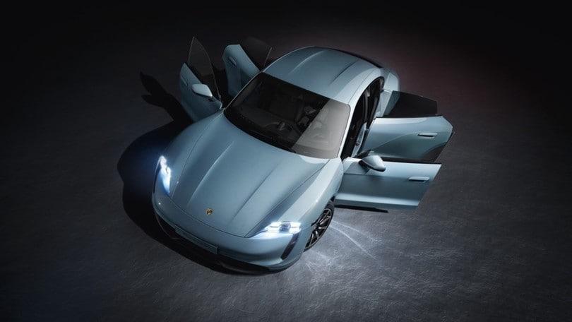 Porsche Taycan 4S, la famiglia elettrica si allarga