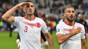 Polemiche in Francia: saluto militare dei giocatori della Turchia