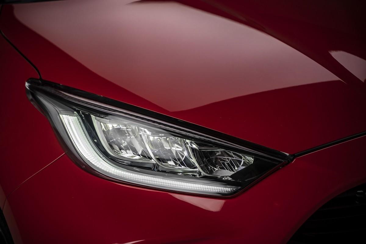 Nuova Toyota Yaris Hybrid: le immagini