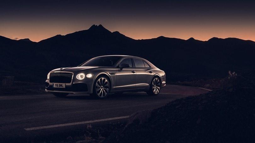 """Nuova Bentley Flying Spur eletta """"Auto di lusso dell'anno"""""""