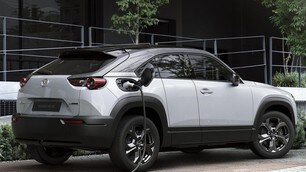 Mazda MX-30: le immagini