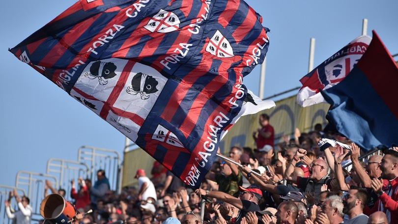 Cagliari, 3 tifosi espulsi a vita dallo stadio per razzismo