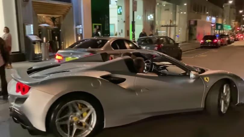 Ferrari F8 Spider: il video del debutto londinese