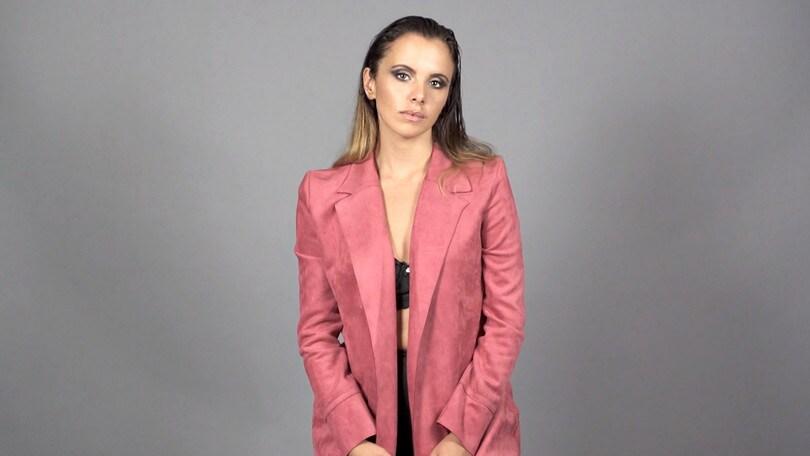 """Denise Faro, """"Intrappolata"""" è il nuovo singolo"""