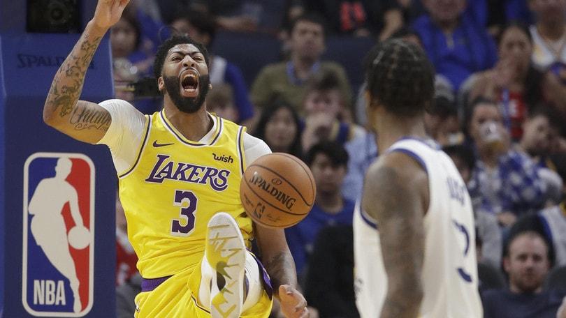 Nba, Anthony Davis trascina i Lakers. Bene Dallas, esordio ok per Butler