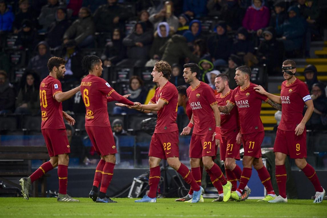 La Roma dà spettacolo in dieci uomini contro l'Udinese