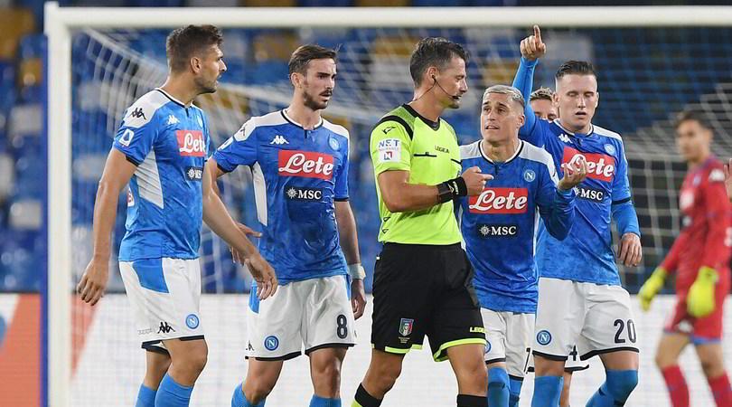 Napoli-Atalanta: disastro Giacomelli e Var. Una notte da 3 in pagella