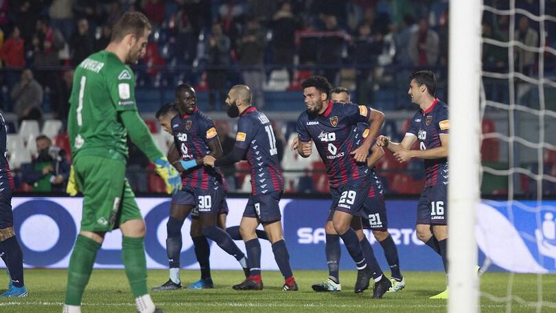 Cosenza-Cremonese 2-0, decidono Sciaudone e Riviere